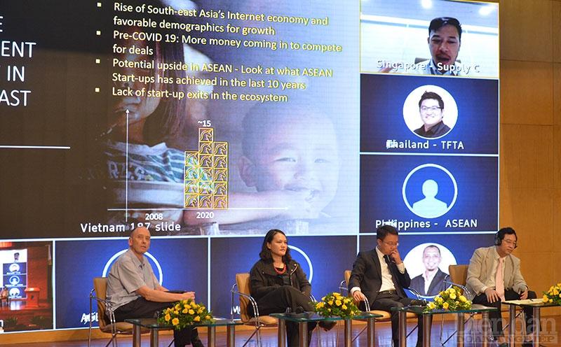Các chuyên gia chia sẻ tại Diễn đàn Khởi nghiệp ASEAN 2020.